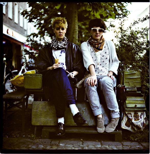 Portrait of two friends in Prenzlauer Berg